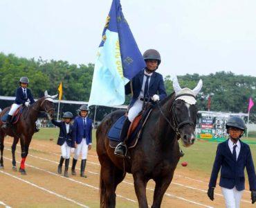 2_the_horse_parade