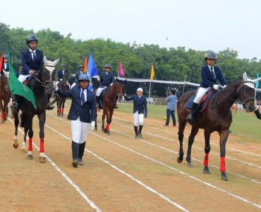 3__the_horse_parade